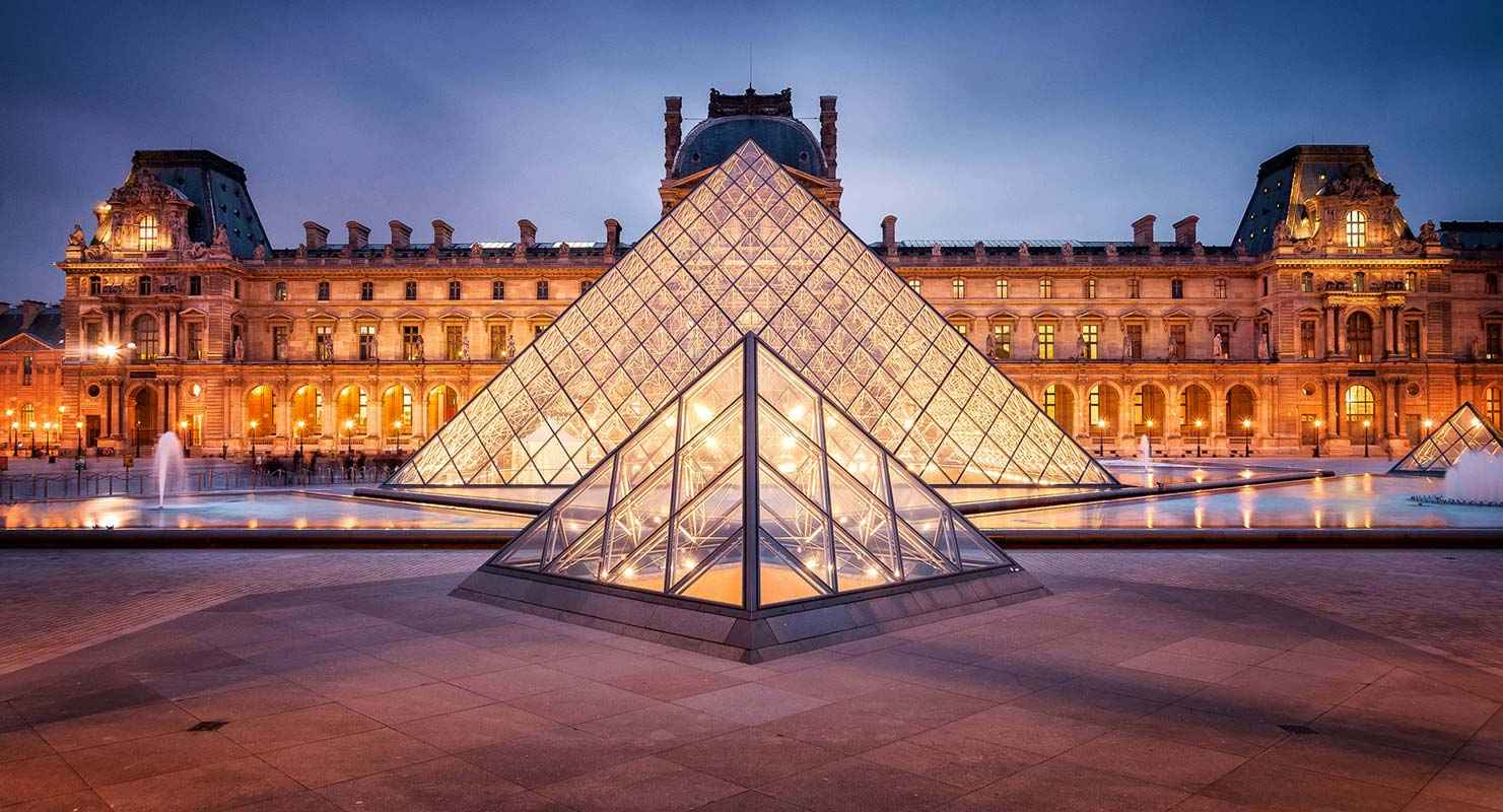 Louvre-museum-in-Paris