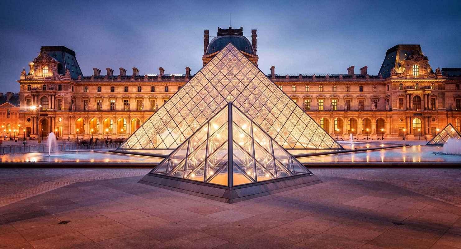 Louvre-museum-in-Paris